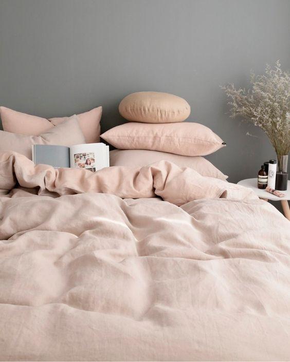Un lit de rêve en rose et gris