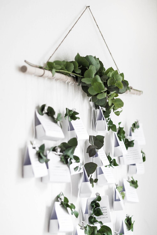 calendrier de l'avant DIY en papier et eucalyptus