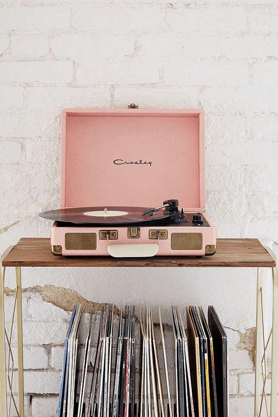 Platine Vinyle Cruiser Pink Millennial CROSLEY X UO