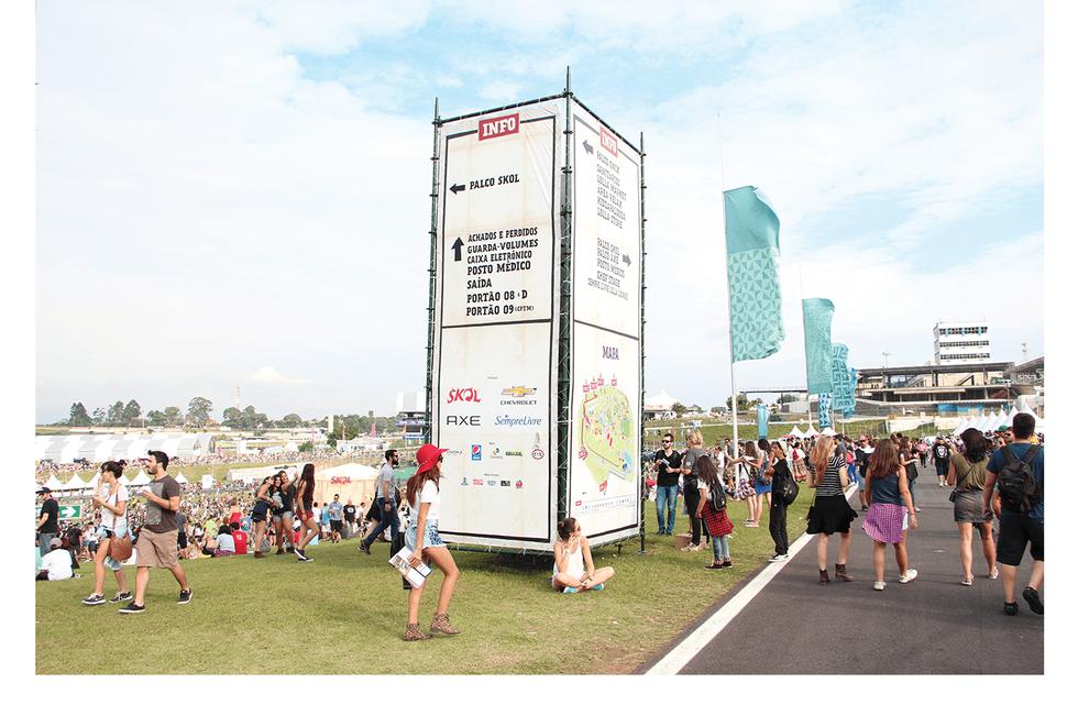 Lollapalooza Brasil 2015 venue artwork