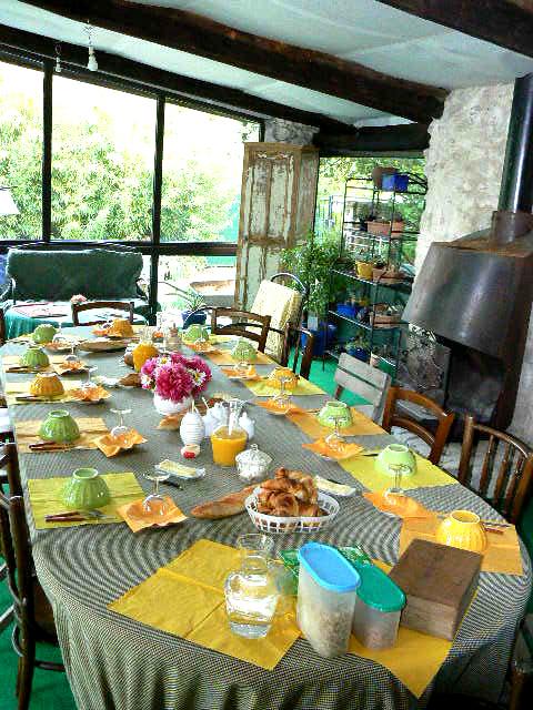 Table_de_petit_déjeuner