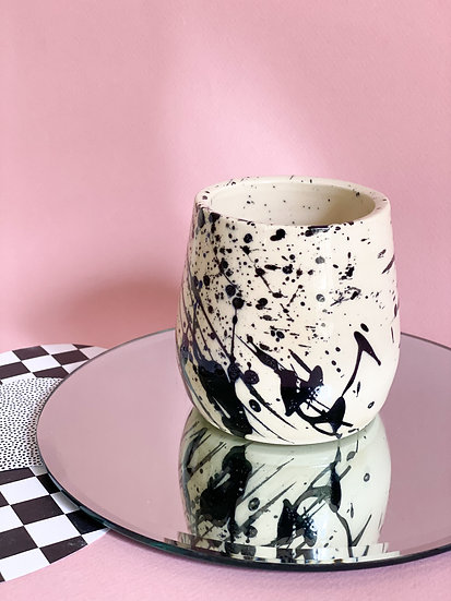 Curvy Splatter Cup