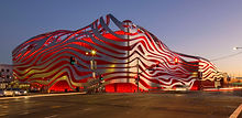 1Petersen_Automotive_Museum_building.jpg