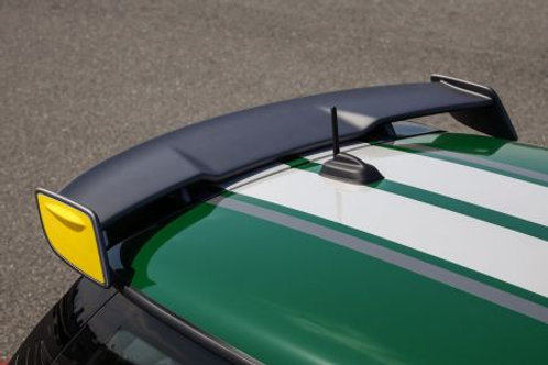 ミニ専用GT・スタイル・ウィング・キット F56