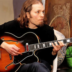 איגור חוטינסקי - גיטרה