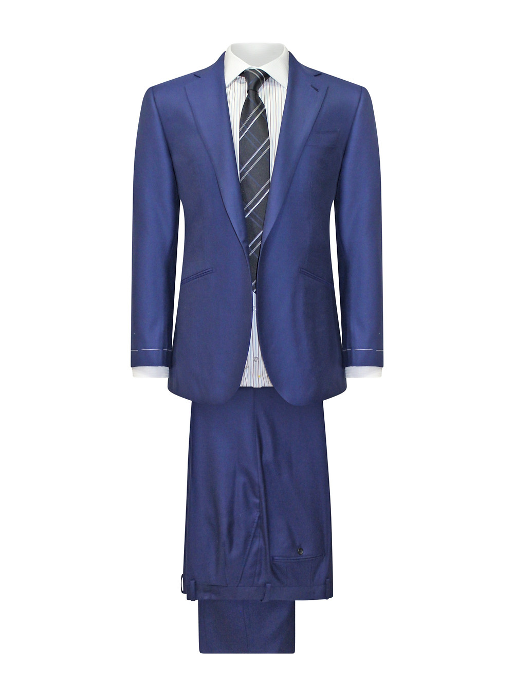NAREEK offers top quality suits made by hand in USA from European fabric.