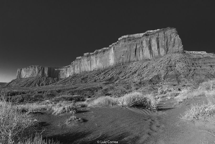 Monument valley dark sky
