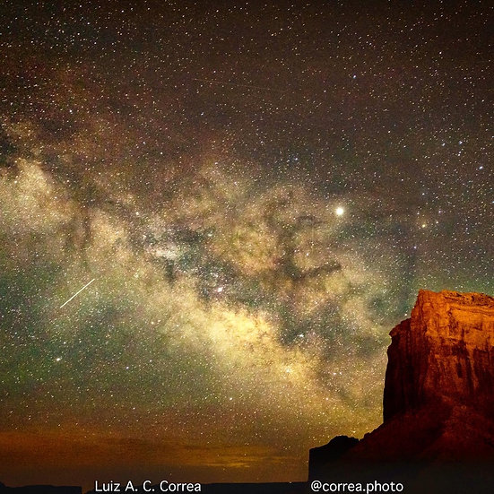 Milk Way in Monument Valley