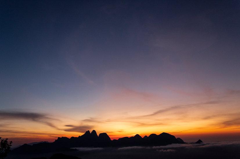 Anoitecer no Parque Estadual dos Três Picos