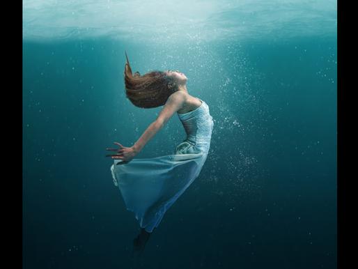 Scienza: Perché sott'acqua sentiamo di meno?