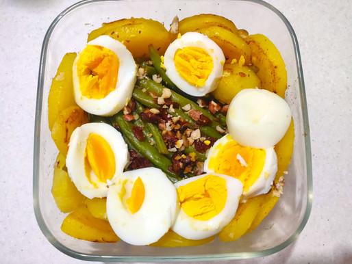Le ricette: Insalata di fagiolini, patate e uova un po' spiritosa