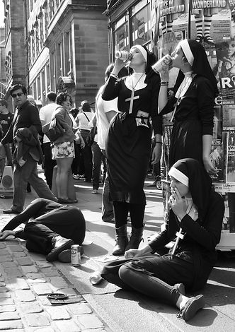 Fringe-2010-Nuns.jpg