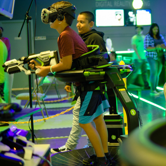 kids playing vr.jpg