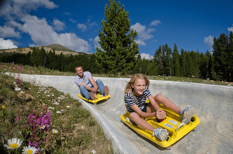 father-and-daughter-on-the-alpine-slide-