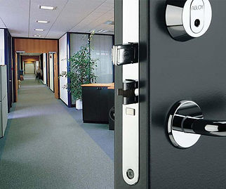 commercial-locksmith-services-arleta.jpg