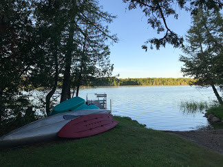 Great swimming, boat launch and water toys