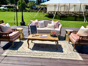 Benefits of Adding a Lounge Setting to Your Wedding Reception