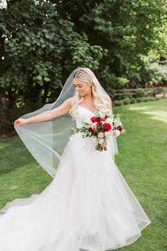 Jennifer DeBarros Photography; Fleurtations Floral