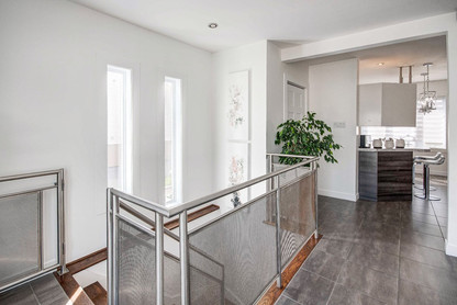 22792099 - Courtier immobilier Châteaugu
