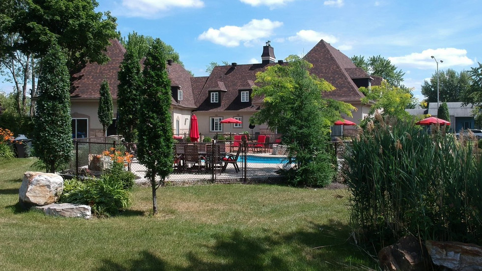 24592530- Courtier immobilier Châteaugua