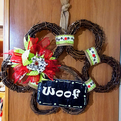 Grapevine Dog Paw Print Wreath - Woof