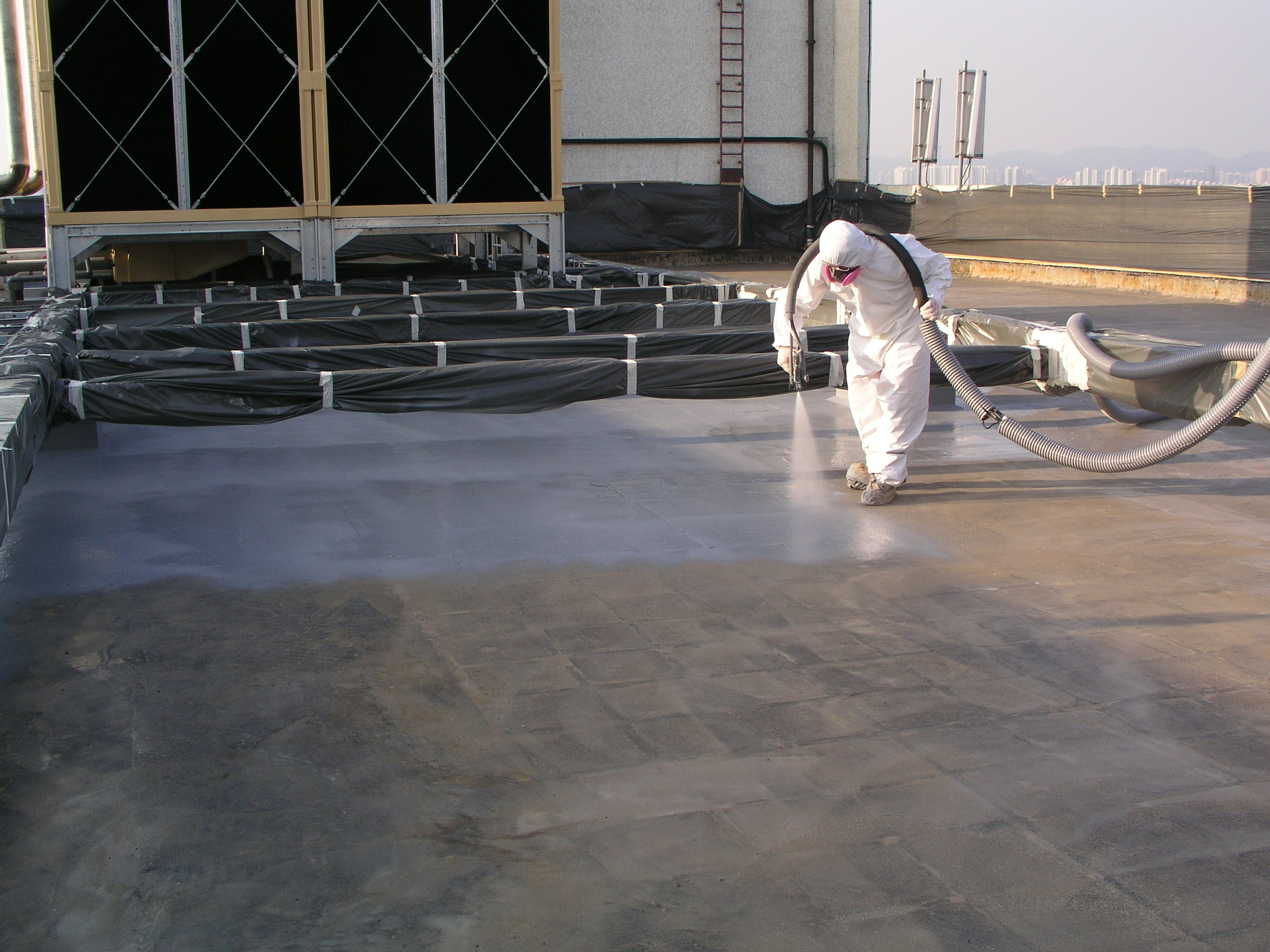Polyurea spraying