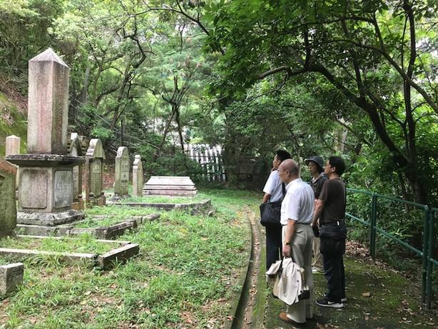 「香港日本人墓地の墓参」