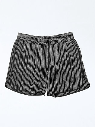 RIPPLES-EMBROIDERY SHORTS