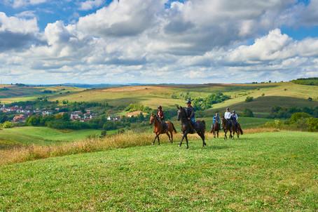 Trasee călare / Horseback riding