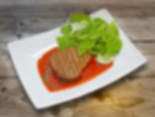 Стейк из говяжей вырезки с соусом из кра