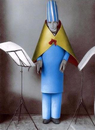 100 XPONIA DADA [1916 - 2016] - Hugo Ball's paper costume