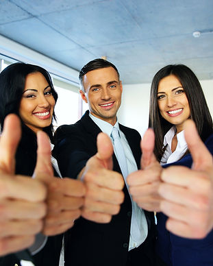 portrait-of-happy-young-business-people-