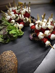 Brochettes billes de tomate mozzarella