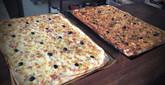 Plaques de quiche et pizzas