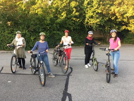 """Quartiersmanagement Soziale Stadt fördert """"Fahrradkurs für Frauen"""" des Familienzentrums Kontrast"""