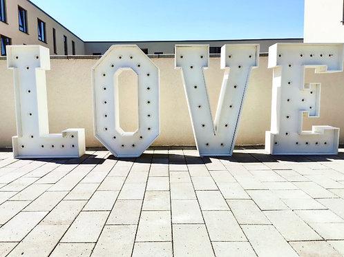 Leuchtbuchstaben XXL L.O.V.E