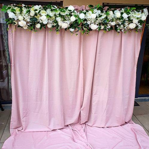 Kunstblumengesteck weiß oder rosa