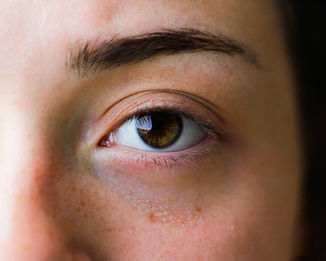 person-with-brown-eye-2287384.jpg