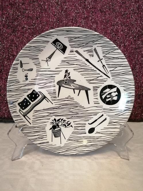 "Ridgway Potteries Homemaker 8"" Plates"