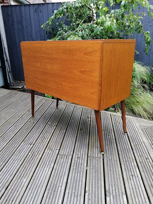 Mid-Century Beaver and Tapley 33 Vinyl LP Record Storage Cabinet Dansette Legs