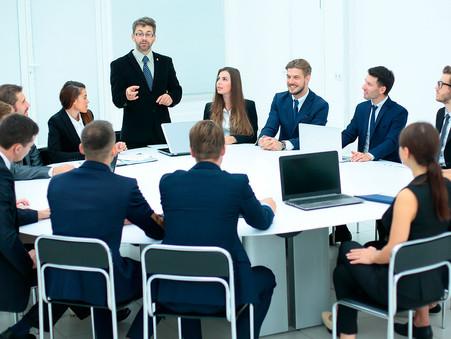 Miembros de un consejo de administración en una PYME