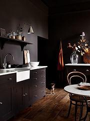 suffolk_kitchen_walnut_181with-dog-2.jpg