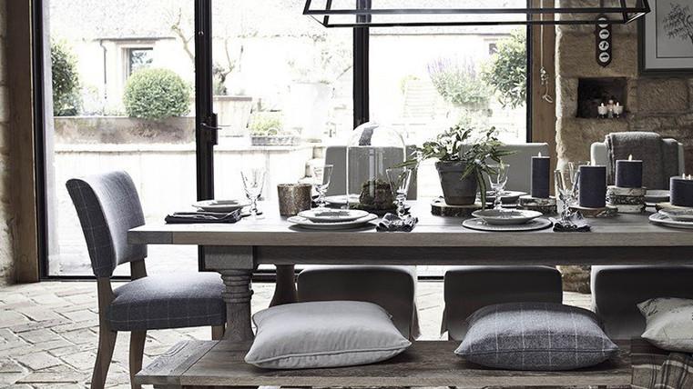 Balmoral Table