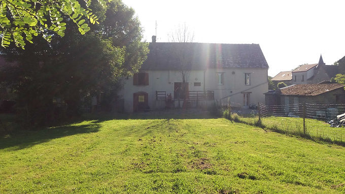 For Sale a terraced house with garden ~ A vendre une maison mitoyenne avec jardin