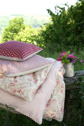 eiderdown+and+cushions.jpg