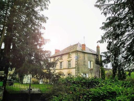 Beautiful House with Cottages & Pool ~ Belle maison avec gites et piscine