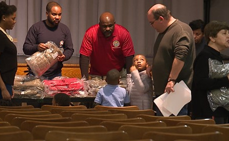 Hundreds of Winter Coats Given to Students