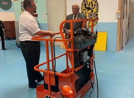 Majority Leader Steny Hoyer Tours IUPAT DC 51's Training Center