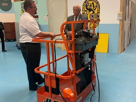 Majority Leader Steny Hoyer Tours IUPAT DC 51's Training Center