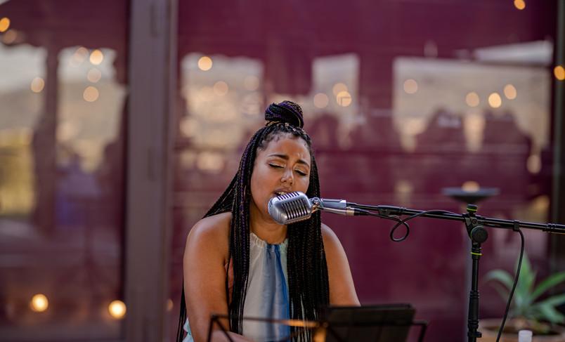 © Cristina Illán - Atenea Carter - teclado y voz en boda